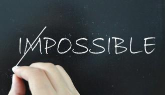 Le coaching permet de prendre conscience que ce que l'on croyait impossible peut devenir possible. Par un travail profond sur ses propres croyances et filtres, il est possible de franchir des étapes et atteindre des objectifs que l'on croyait irréalisable